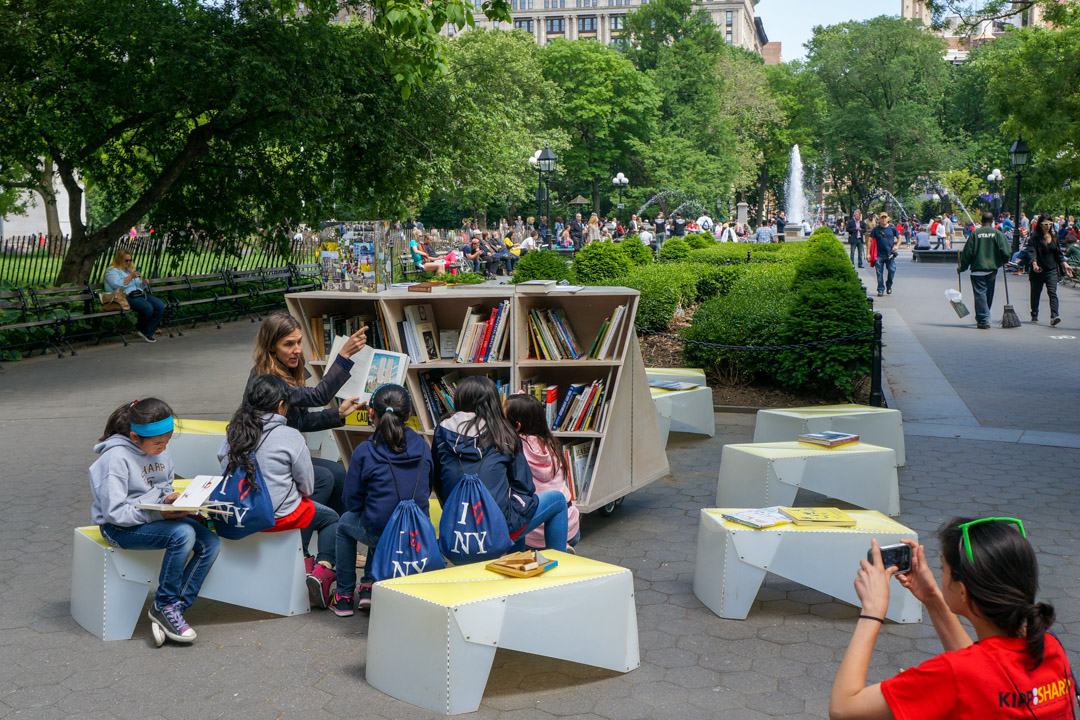 The Uni portable reading room in Washington Square Park, 2014.